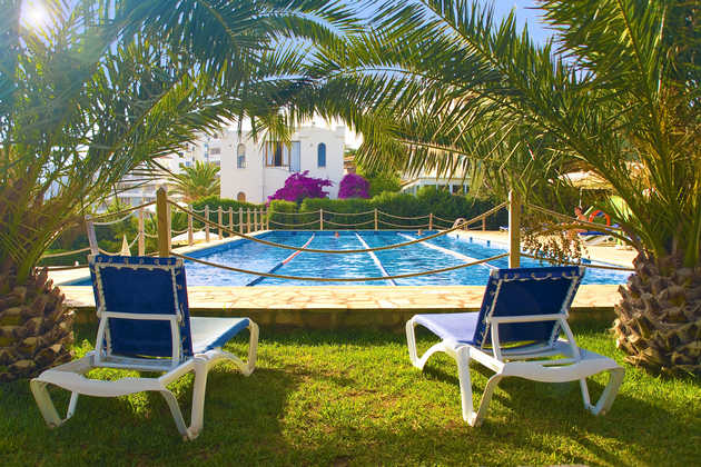 Poolbereich Hotel JS Cape Colom