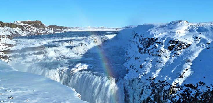 Silvester in Island: Nordlichter, Wale & heiße Quellen