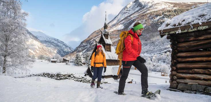 Auf Schneeschuhen vom Fjell zum Fjord