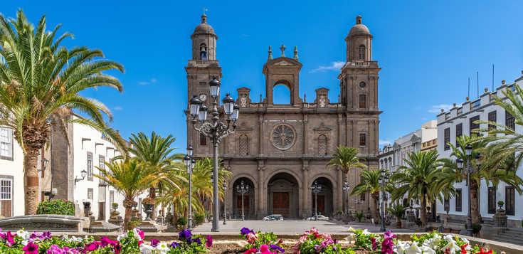 Silvester in Las Palmas: farbenfroh & lebenslustig
