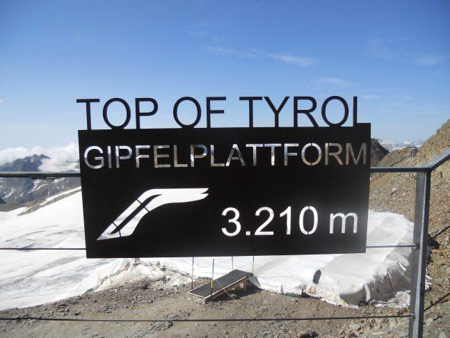 Tirol, Klassische Bilderbuchlandschaft in Tirol – das Stubaital