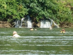 Schwimmen im Kwai-River
