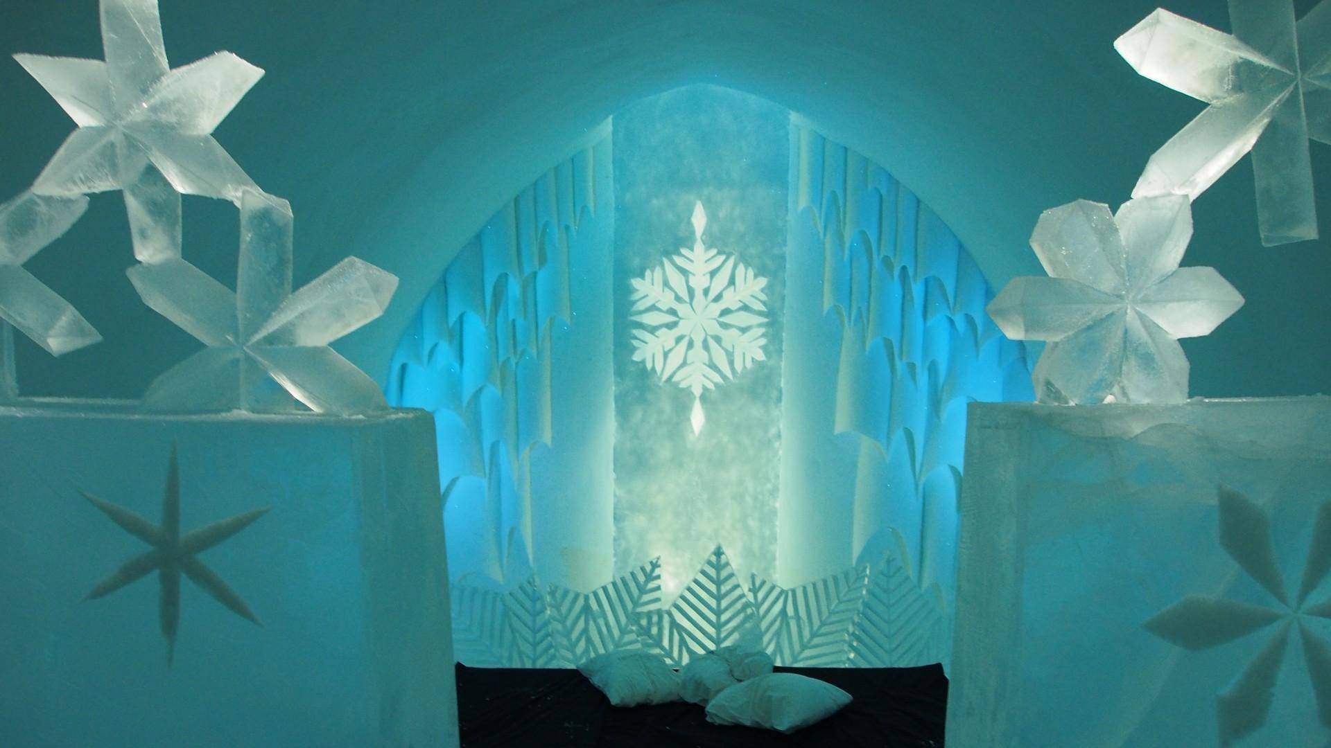 ein Blumen-Zimmer im Icehotel