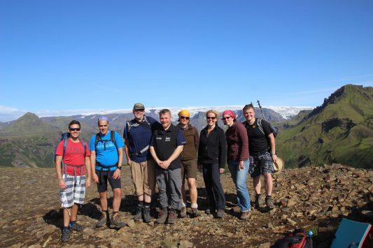 Gruppe auf dem Gipfel des Réttarfell