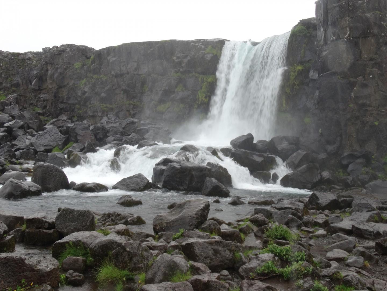 Am Öxara-Wasserfall im Thingvellir Nationalpark