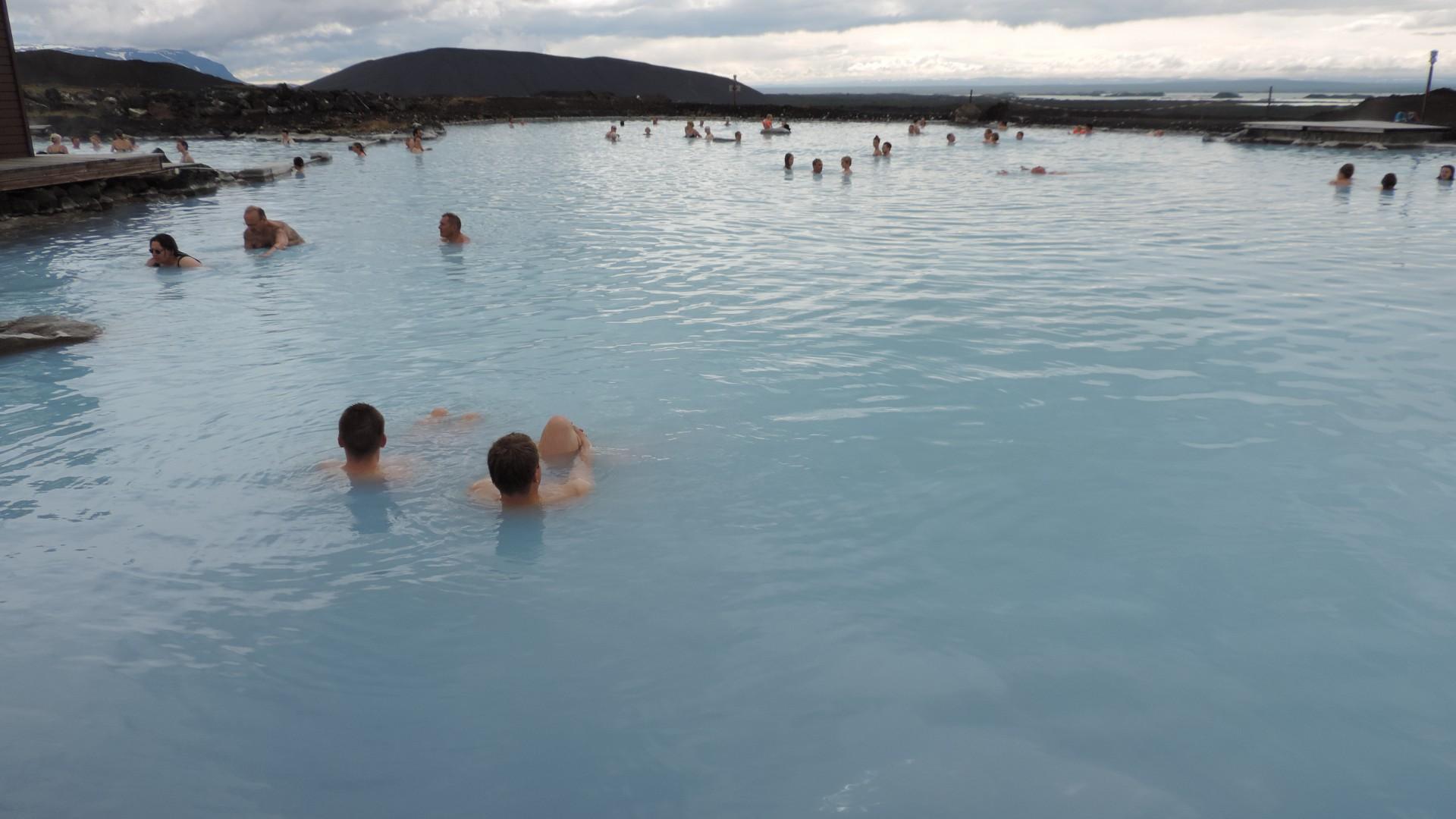 Ein bisschen Wärme tanken in der blauen Lagune am Myvatn