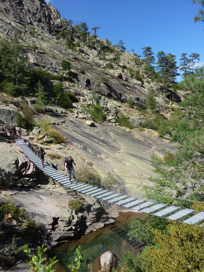 Hängebrücke in der Spasimata-Schlucht