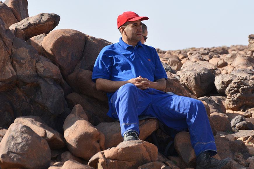 Unser Guide Brahim in seinem traditionellen Berber-Outfit.