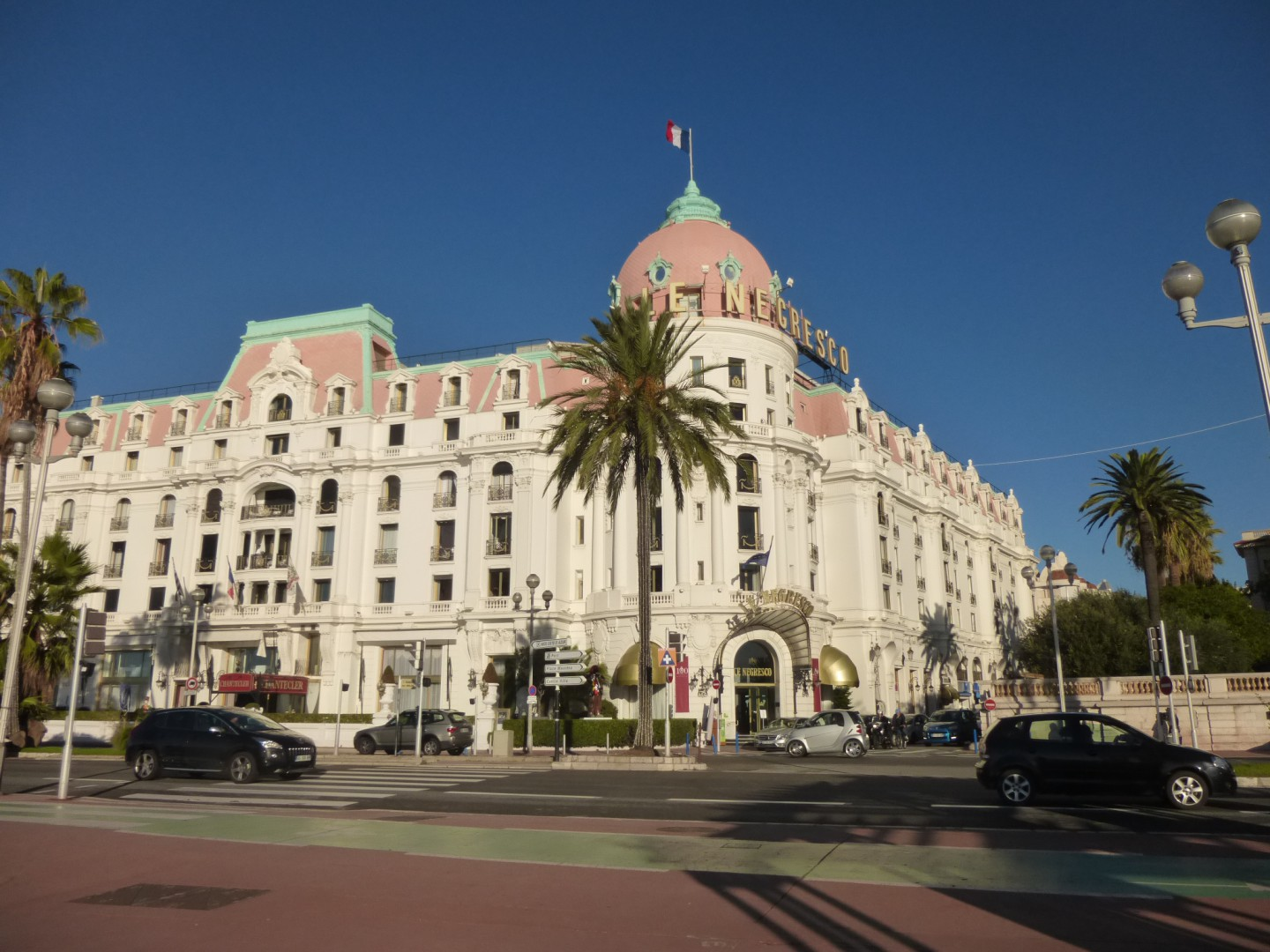 "Das Hotel ""Negresco"""