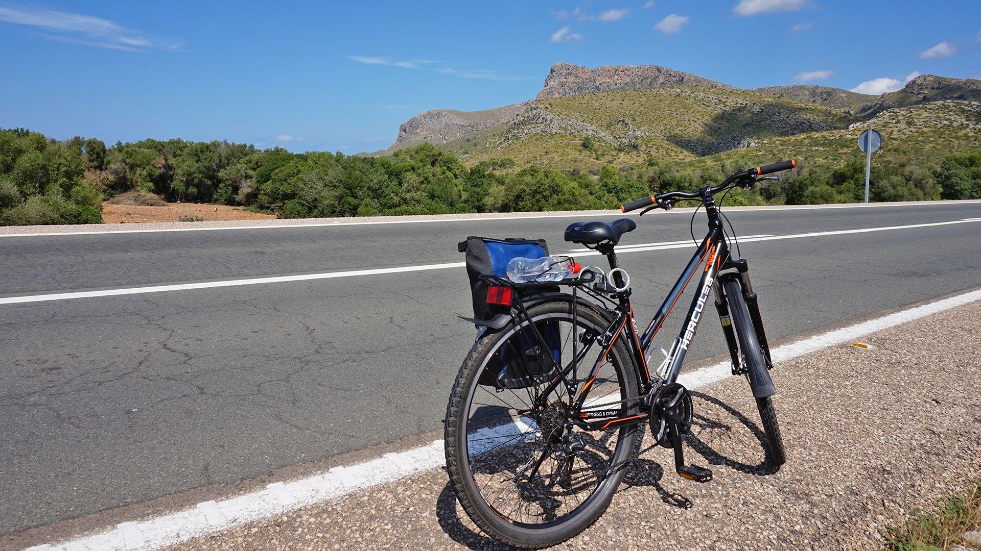 Radreise durch Mallorca's Osten – strahlende Strandwelten & einsame Höhen