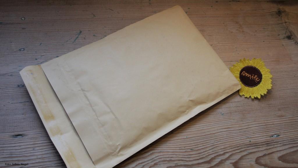 Versandmaterial EINS: nur Papier, kein Plastikmüll.