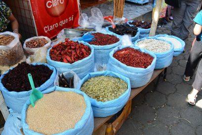 Chili am Marktstand in Guatemala