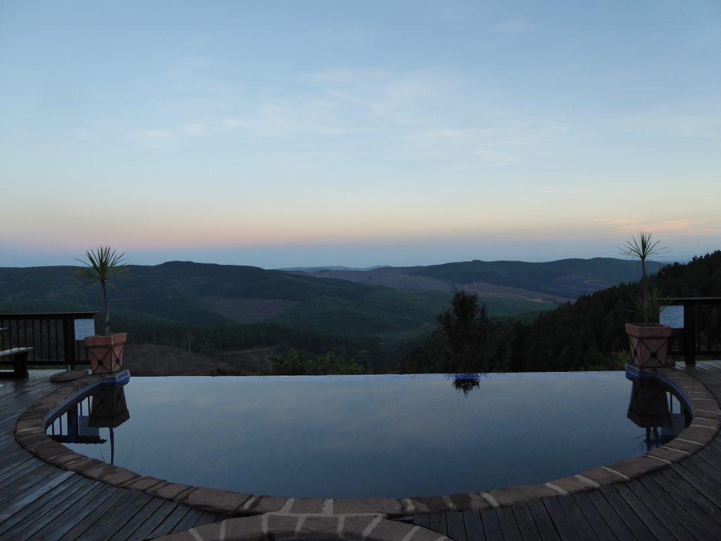 Infinity-Pool in der Misty Mountain Lodge