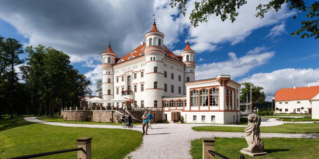 Schloss Wojanow, Bildquelle: Wikipedia
