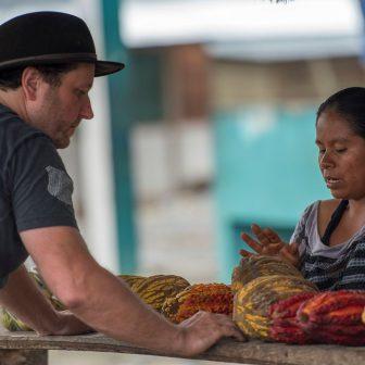Alex findet wilden Kakao