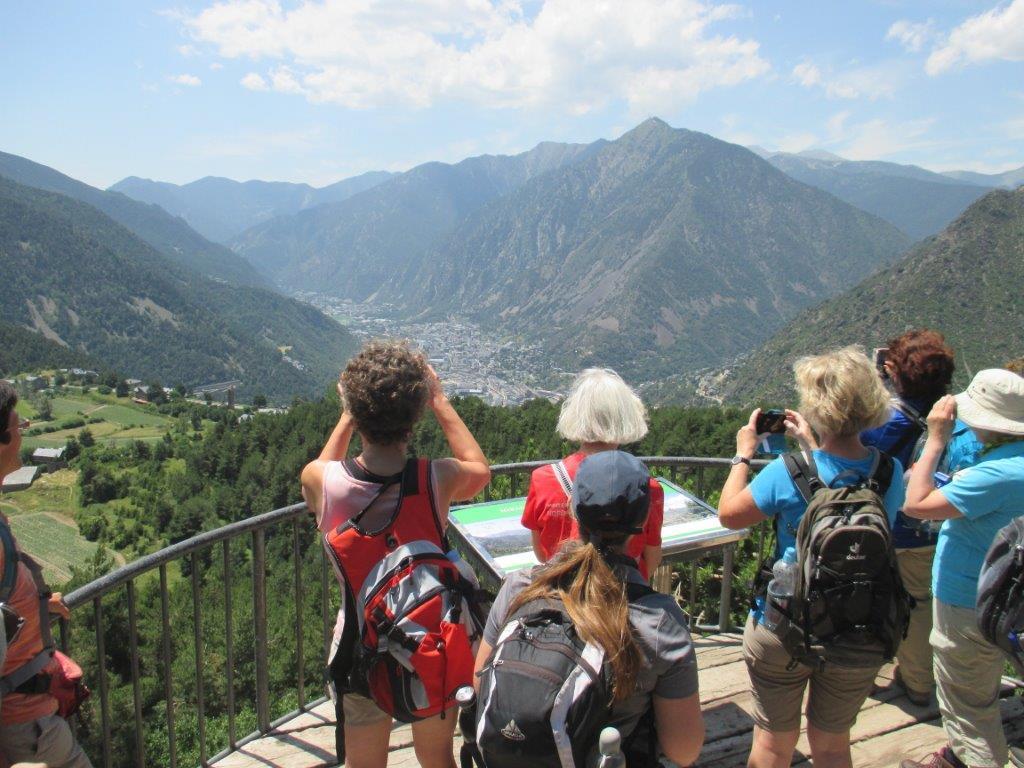 Weitblick über einen Großteil von Andorra