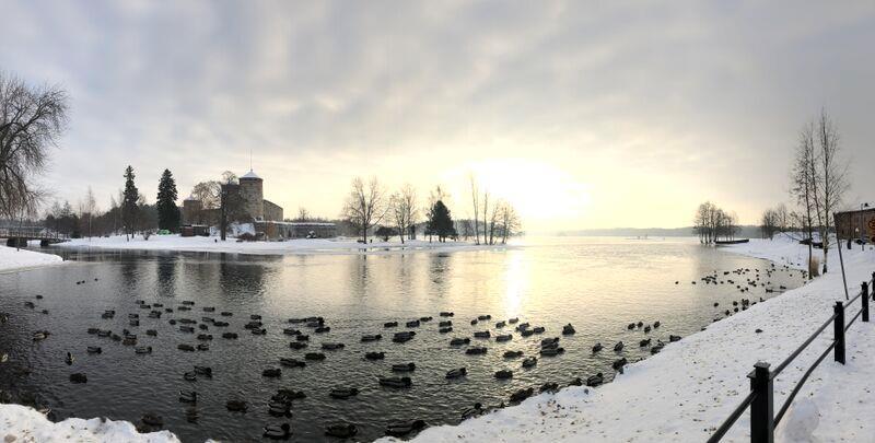 Burg in Savonlinna aus dem Jahr 1475 in herrlicher Winterkulisse