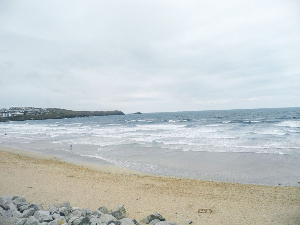 Wandern in Cornwall am Strand in Newquay