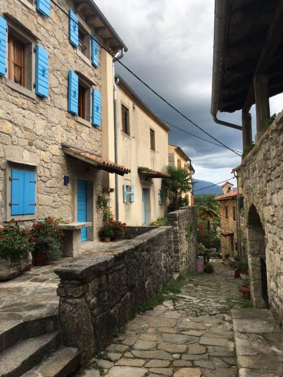 Das kleinste Dorf der Welt - Hum