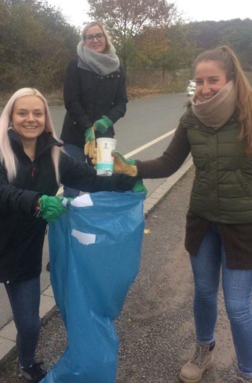 Es wurde fleißig beim Wandern Müll gesammelt!