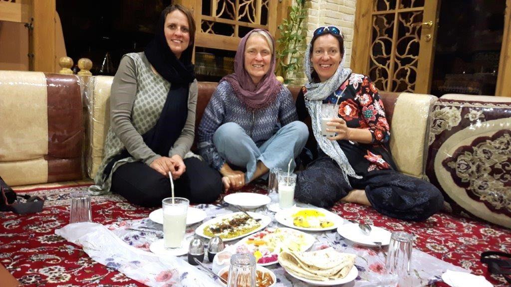 Glückliche Trekker im Iran