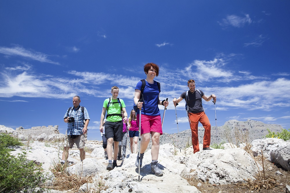 Wichtig für Wanderanfänger: sicher mit dem Wanderstock