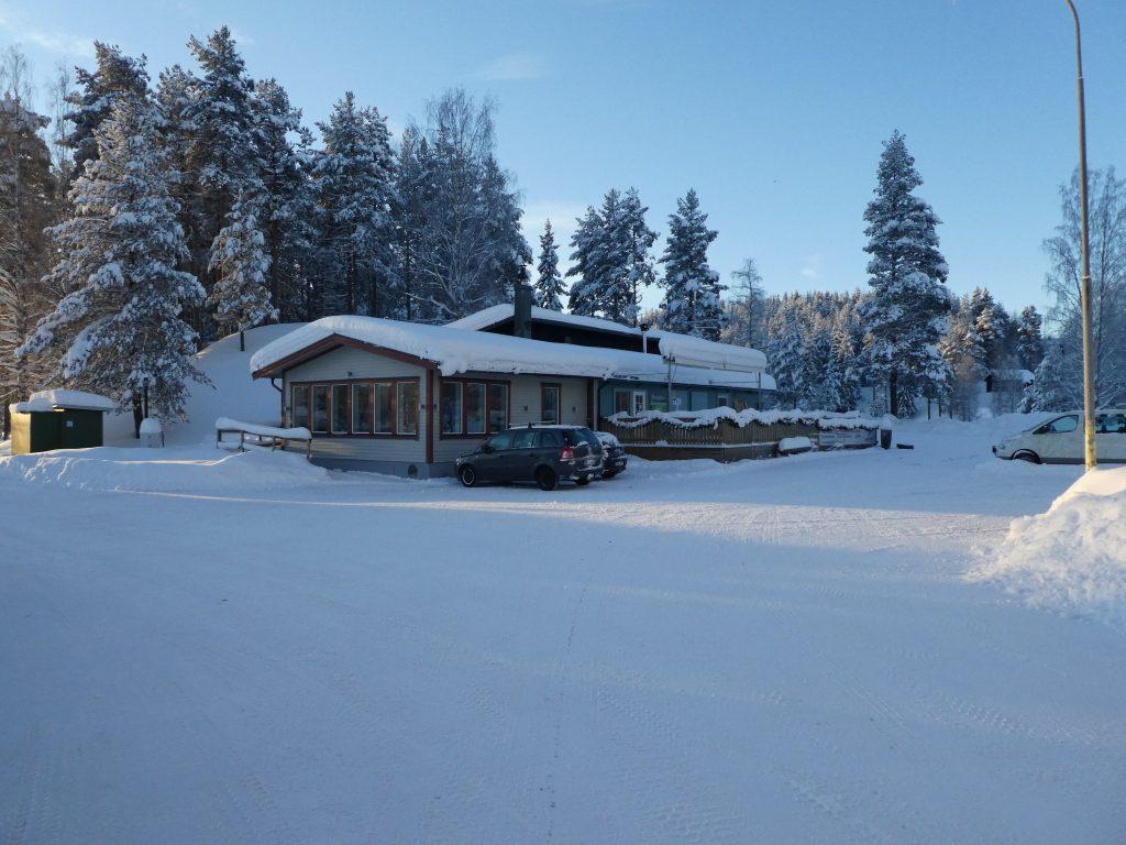 "Das Haupthaus des Eco-Hotels ""Granö Beckasin"""