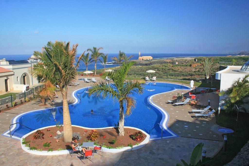 Blick auf den Pool im Hotel Luz del Mar