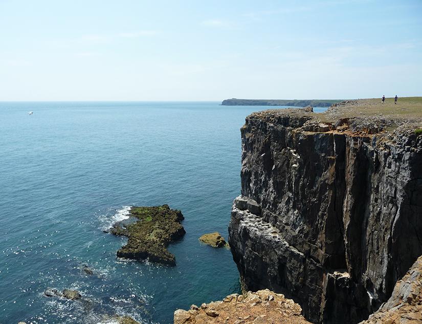 Raue Klippen der walisischen Küste