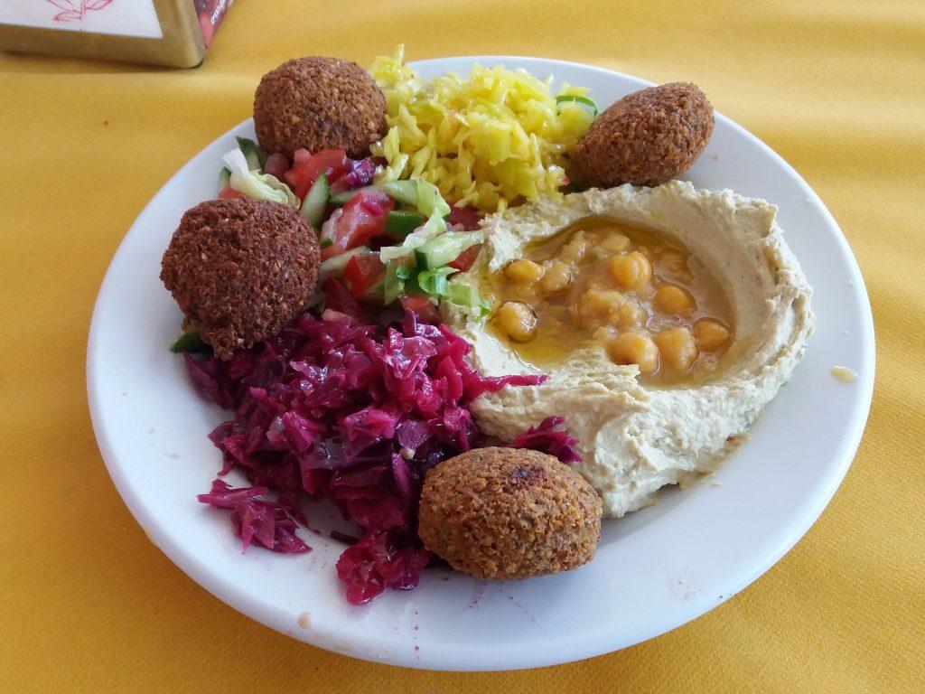Falafel und Humus