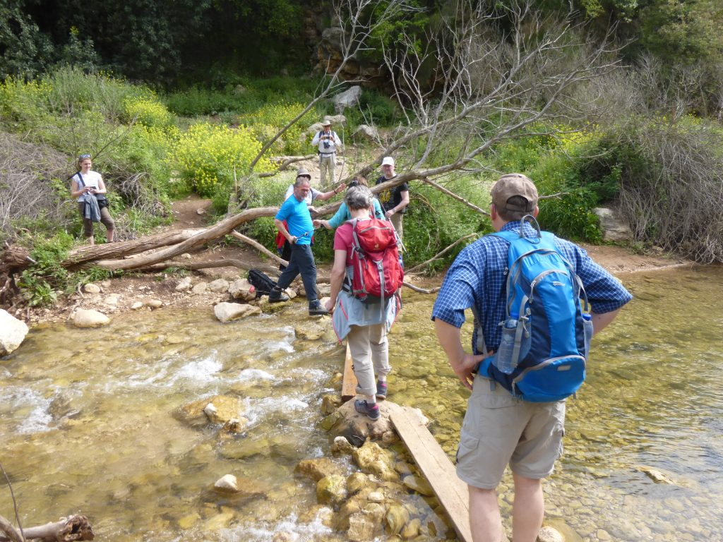 Flußquerung im Nahal Kziv Naturreservat
