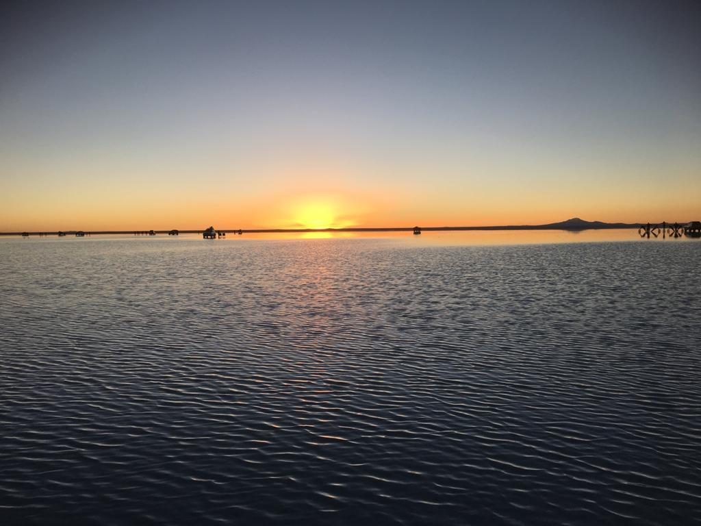 Sonnenuntergang in der Salar de Uyuni