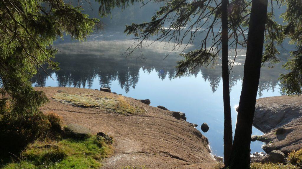 Deutsche Mittelgebirge: Verwunschene Seen und romantische Landschaften.
